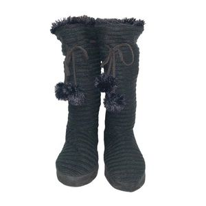 Mukluks Tall Black Ribbed Knit Slipper Boots